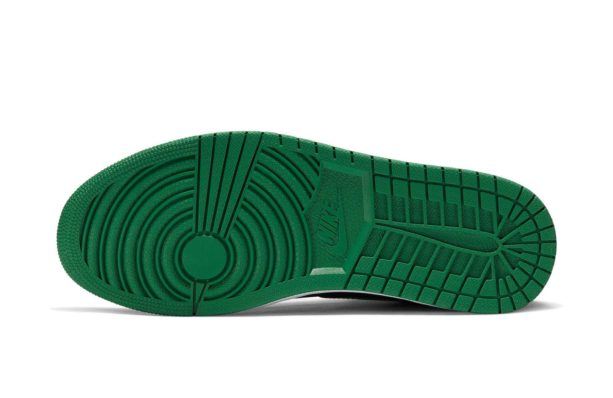Bottom sole of Air Jordan 1 OG Pine Green