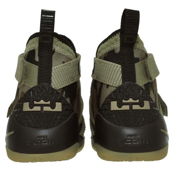 156396e581ff Nike Lebron Soldier 11