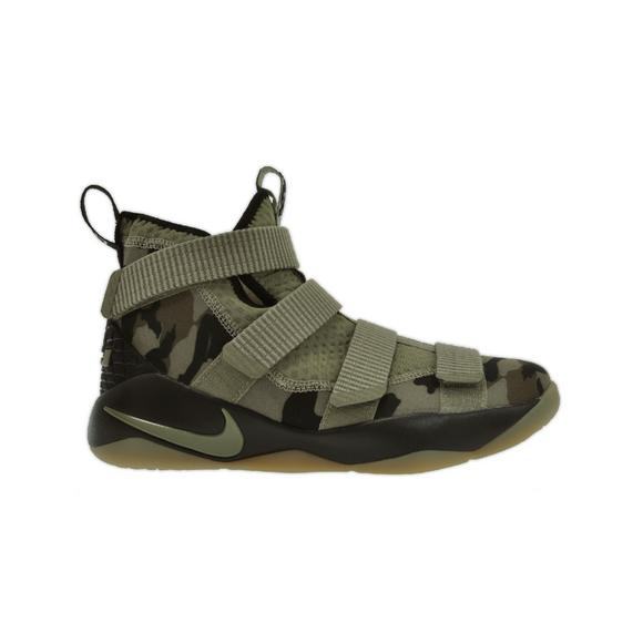 36df6cf07ad4 Nike Lebron Soldier 11
