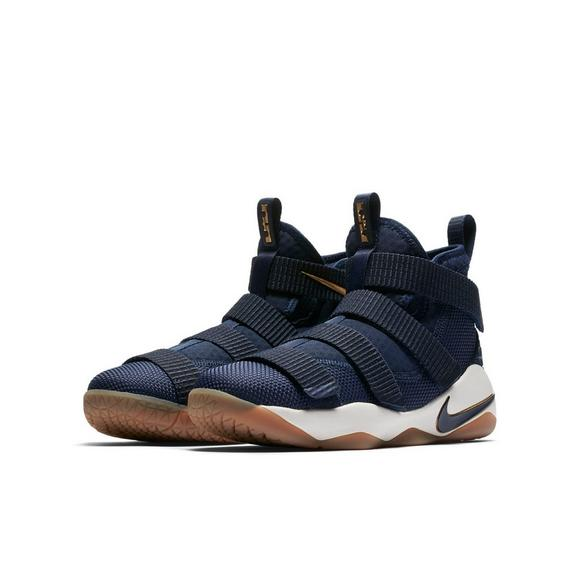 13c73232fcd2 Nike Lebron Soldier 11