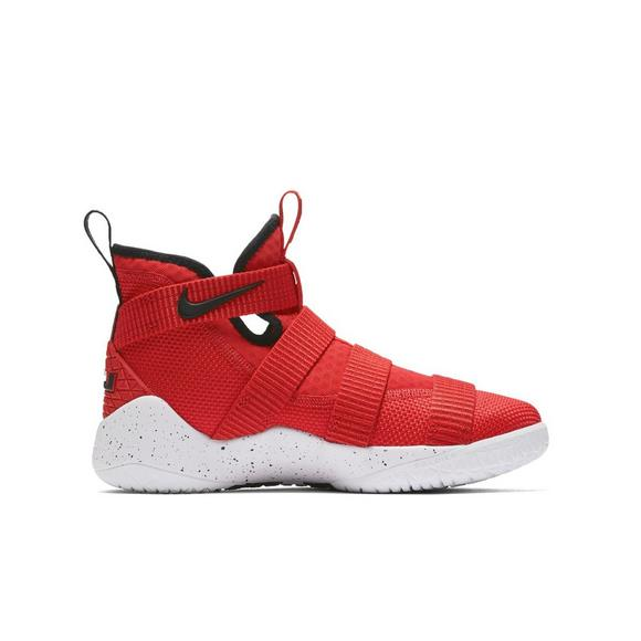 03313f9d762 Nike Lebron Soldier 11