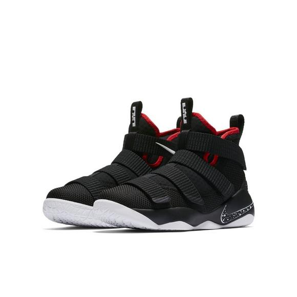 premium selection fb7f0 aa855 Nike Lebron Soldier 11