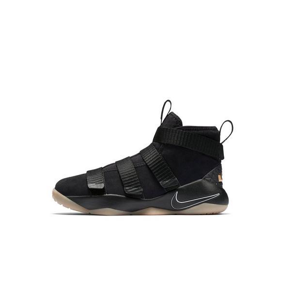 detailed look e9a8d 9ba4a Nike Lebron Soldier 11