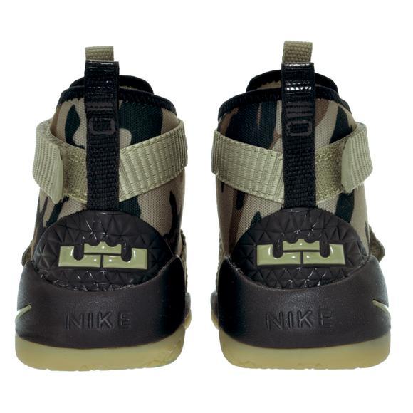 check out 5afa7 a6b6b Nike Lebron Soldier 11