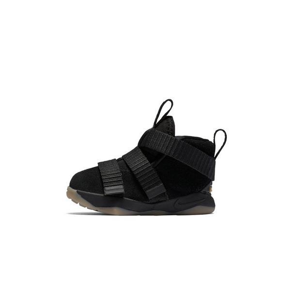 wholesale dealer 05bb6 50886 Nike Lebron Soldier 11