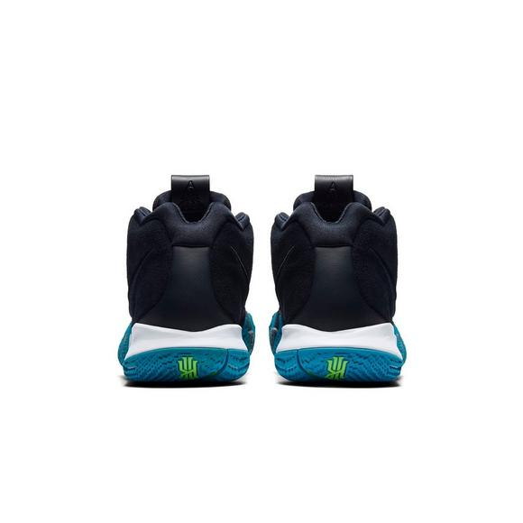 ca2a541ea525 Nike Kyrie 4