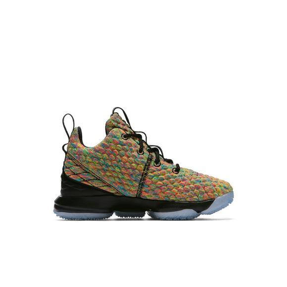 885893748a4 Nike LeBron 15