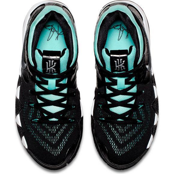 ab72cf35bcd83 Nike Kyrie 4