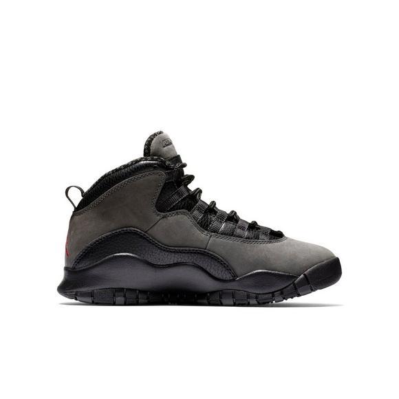 the latest 125b9 9ece0 Jordan Retro 10
