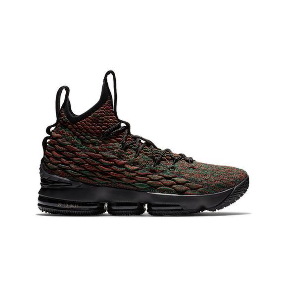 5b2a69da1300f Nike LeBron 15