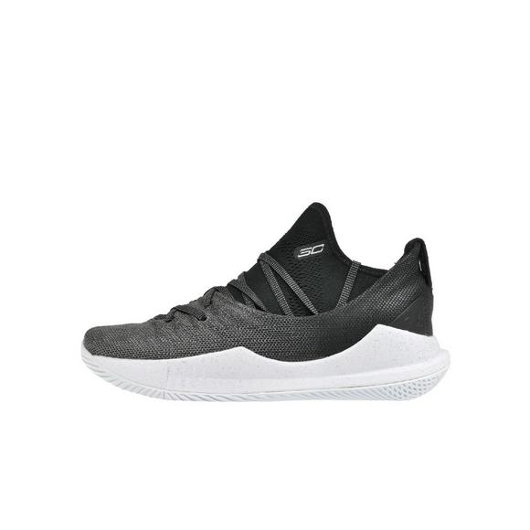 8e21c378cd79 Under Armour Curry 5