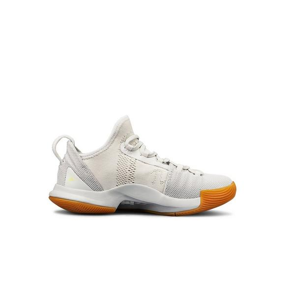 reputable site c0e5c 05a0f Under Armour Curry 5