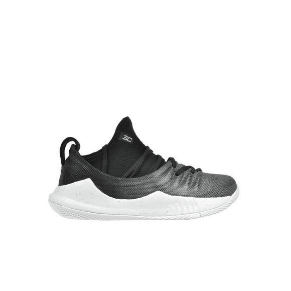 detailed look 5a750 13e6c Under Armour Curry 5