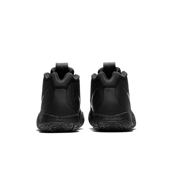 d7e0ab7a308 Nike Kyrie 4