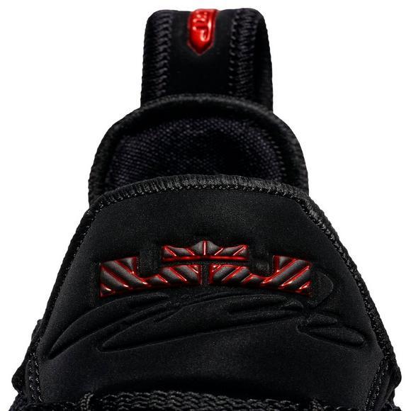 7fbbcb183ee Nike LeBron 16