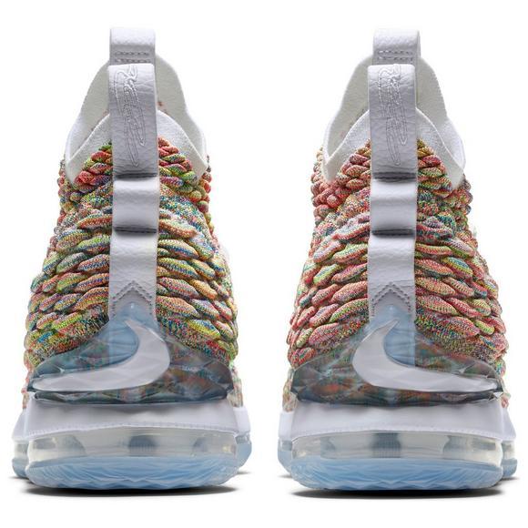 60782f5fb9b4 Nike LeBron 15