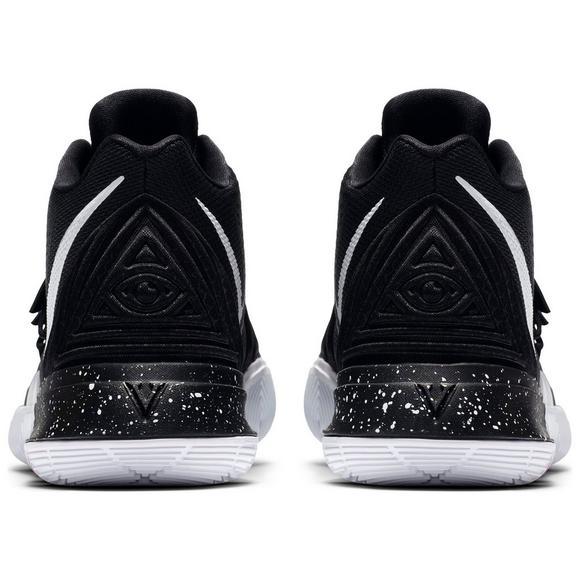 pretty nice d450a aceac Nike Kyrie 5