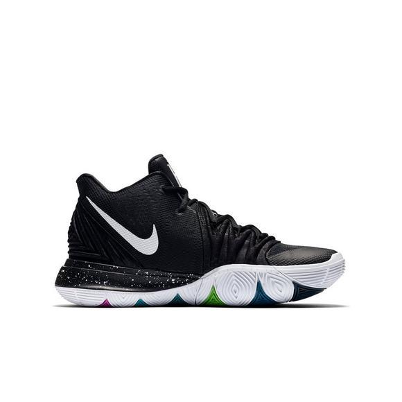 5b02704f2c92 Nike Kyrie 5