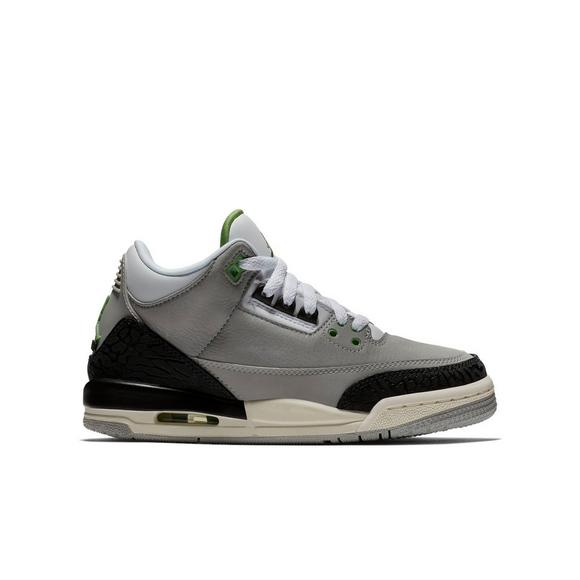 buy popular 41f8a 9d3df Jordan 3 Retro