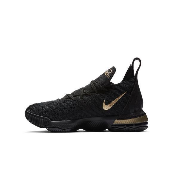 buy online a3c1c 30f75 Nike LeBron 16