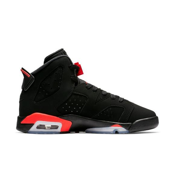 timeless design ab85d db377 Jordan 6 Retro