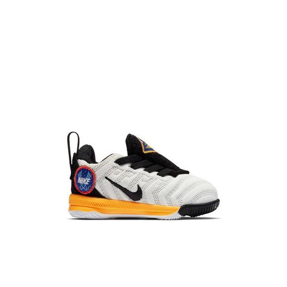 more photos ee6bc 5e4a8 Nike LeBron 16
