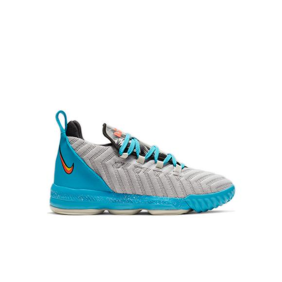 big sale 50c3a ba17c Nike LeBron 16