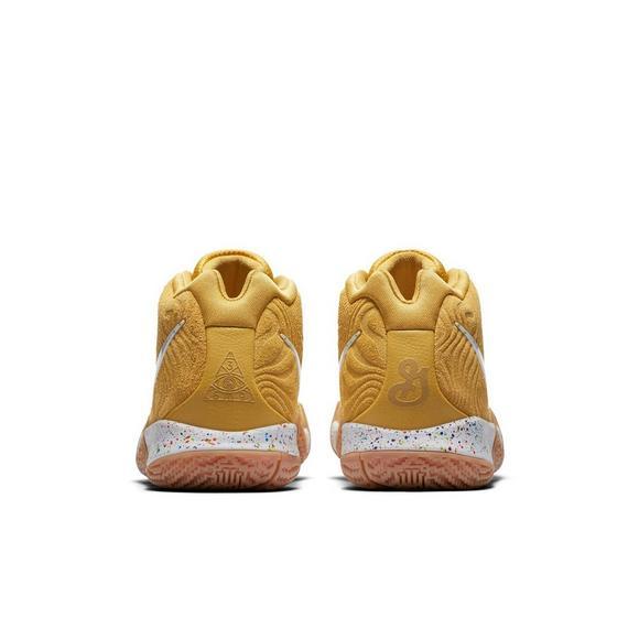 brand new 04ee6 b944a Nike Kyrie 4