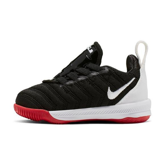 online retailer 673cb 78133 Nike LeBron 16