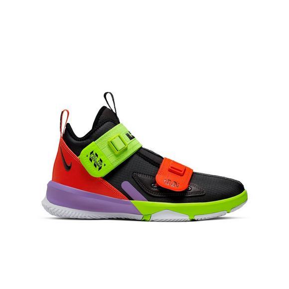 size 40 8d6d1 6e43e Nike LeBron Soldier 13