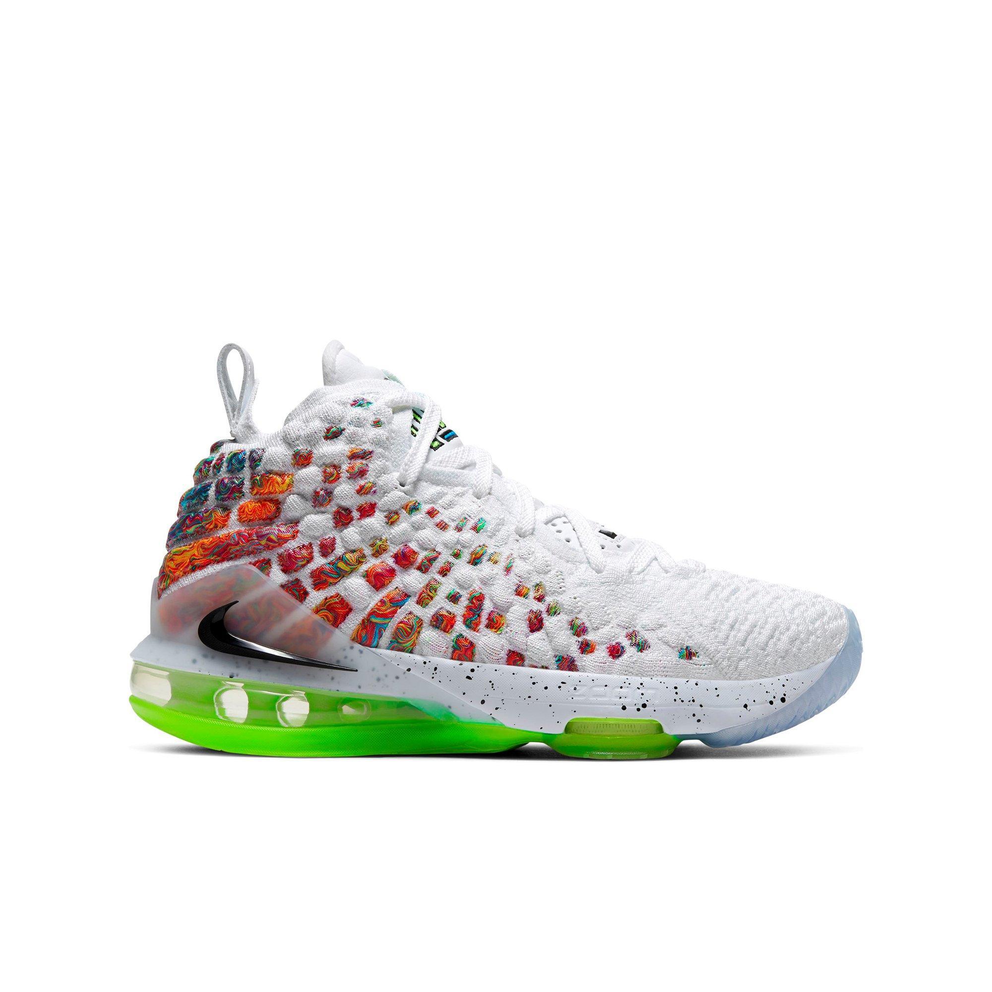 Específico compañerismo Patrocinar  Nike LeBron 17