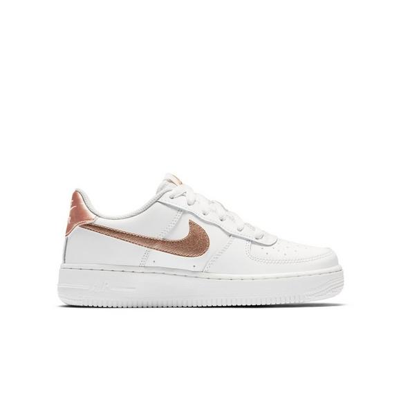 separation shoes 4ecc5 12a0b Nike Air Force 1 Low