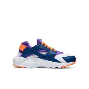 new style 17553 bd5fc Nike Huarache Run Grade School Kids Shoe