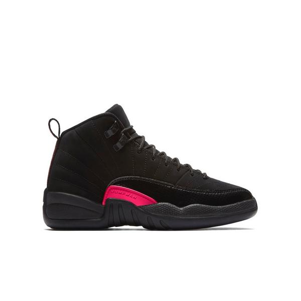 Display product reviews for Jordan Retro 12