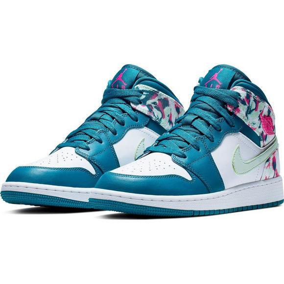 purchase cheap fde38 8df3a Jordan 1 Mid