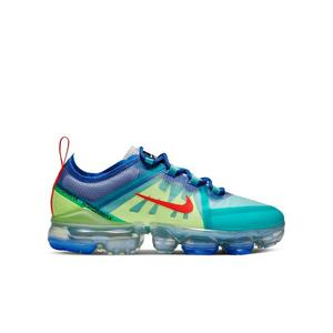 new style a1b0e cce53 Nike VaporMax