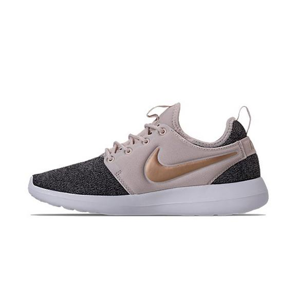 competitive price 9d991 ac5ea Nike Roshe 2 Knit Women s Shoe - Main Container Image 2