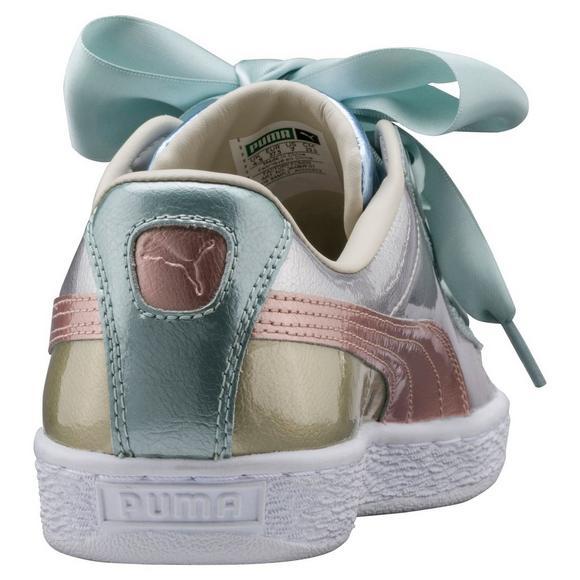 huge selection of 100e9 17eed Puma Basket Heart Bauble Women's Shoe - Hibbett US