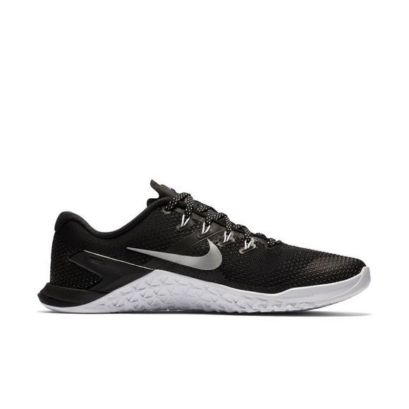 816fb3d6a43f9 Nike Metcon 4