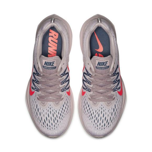 the best attitude a449a 15a55 Nike Air Zoom Winflo 5 Women's Running Shoe - Hibbett US