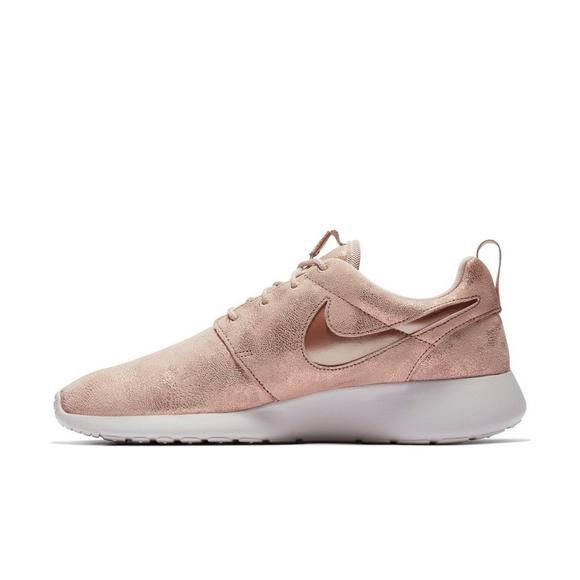 c25cdb2712f4 Nike Roshe One Premium