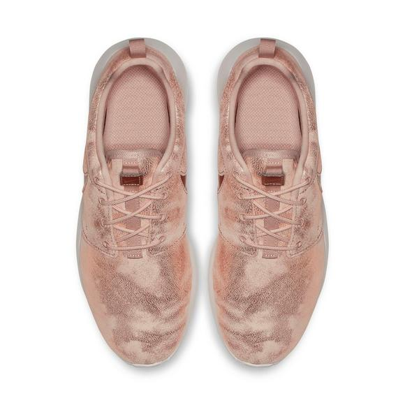 66c932d2381b Nike Roshe One Premium