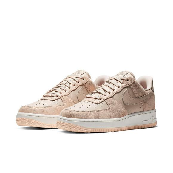 best service 6e3eb f5b1d Nike Air Force 1 07 Premium