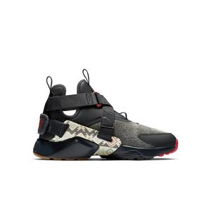 2218ddcd18d Nike Air Huarache Run