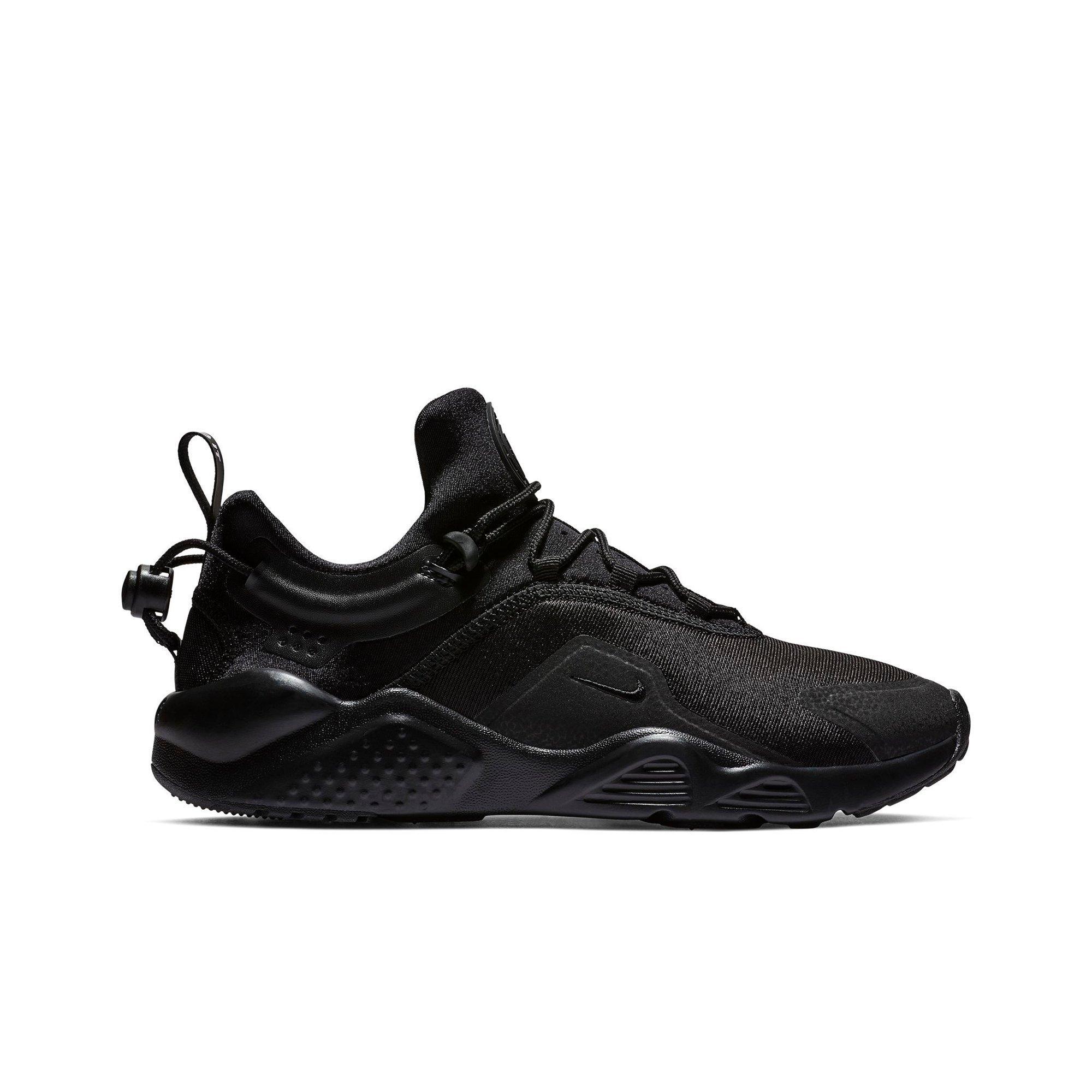 fcfce859730 roshe run black half colour Buy Nike Men s ...