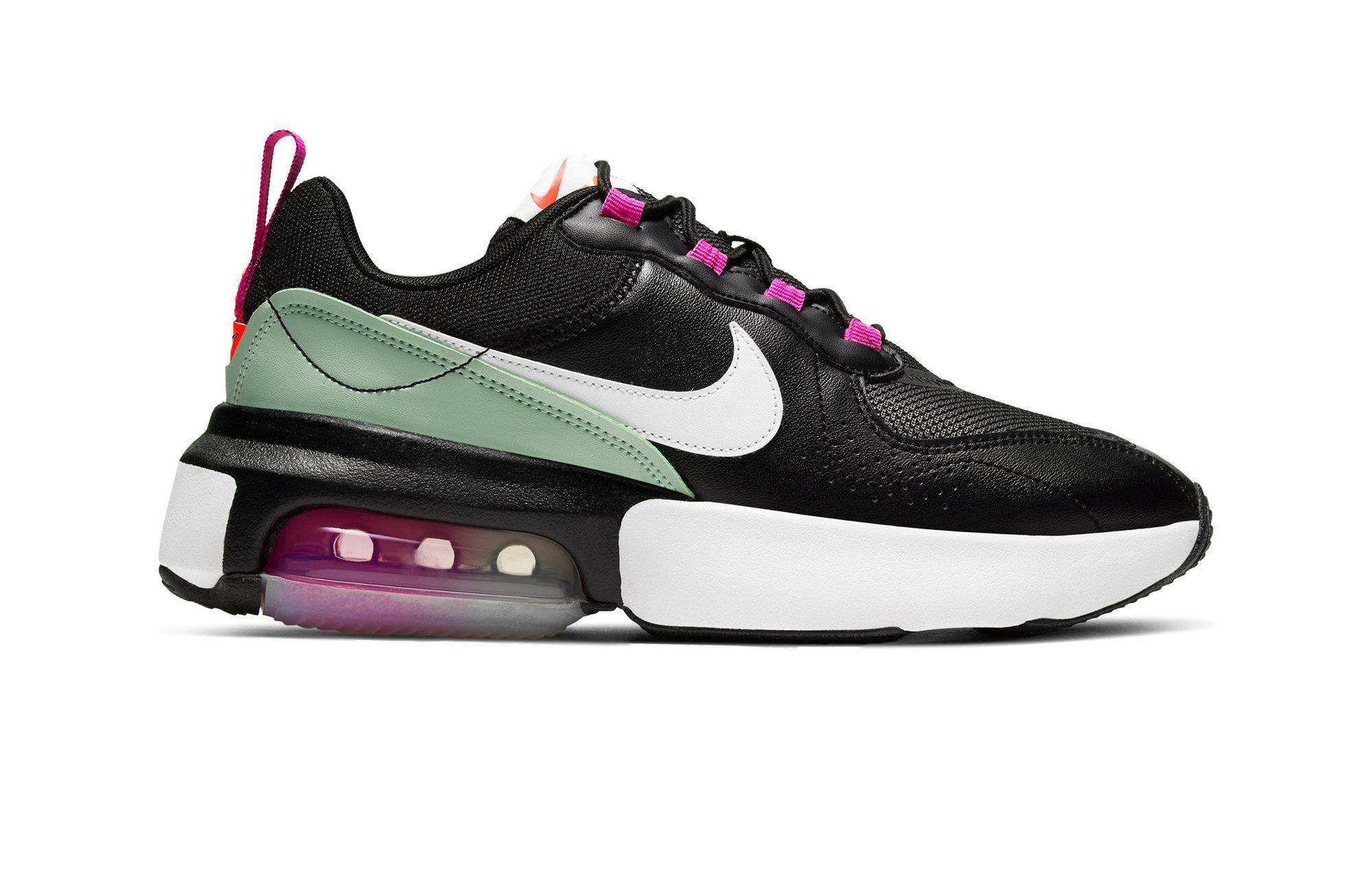 "Nike Air Max Verona ""Black/Summit White/Fire Pink"" Women's Shoe right."