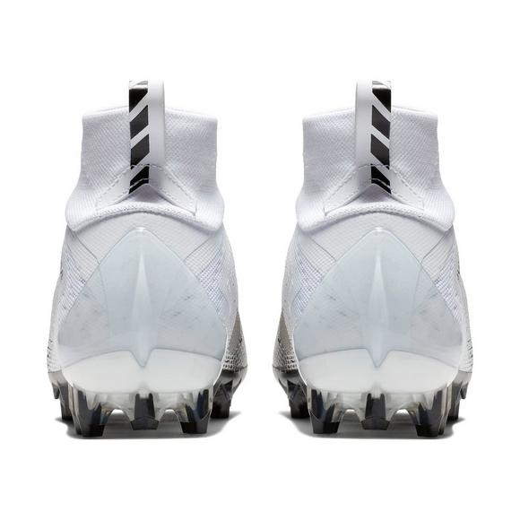 90aefd46a98 Nike Vapor Untouchable Pro 3 Men s Football Cleat - Main Container Image 5