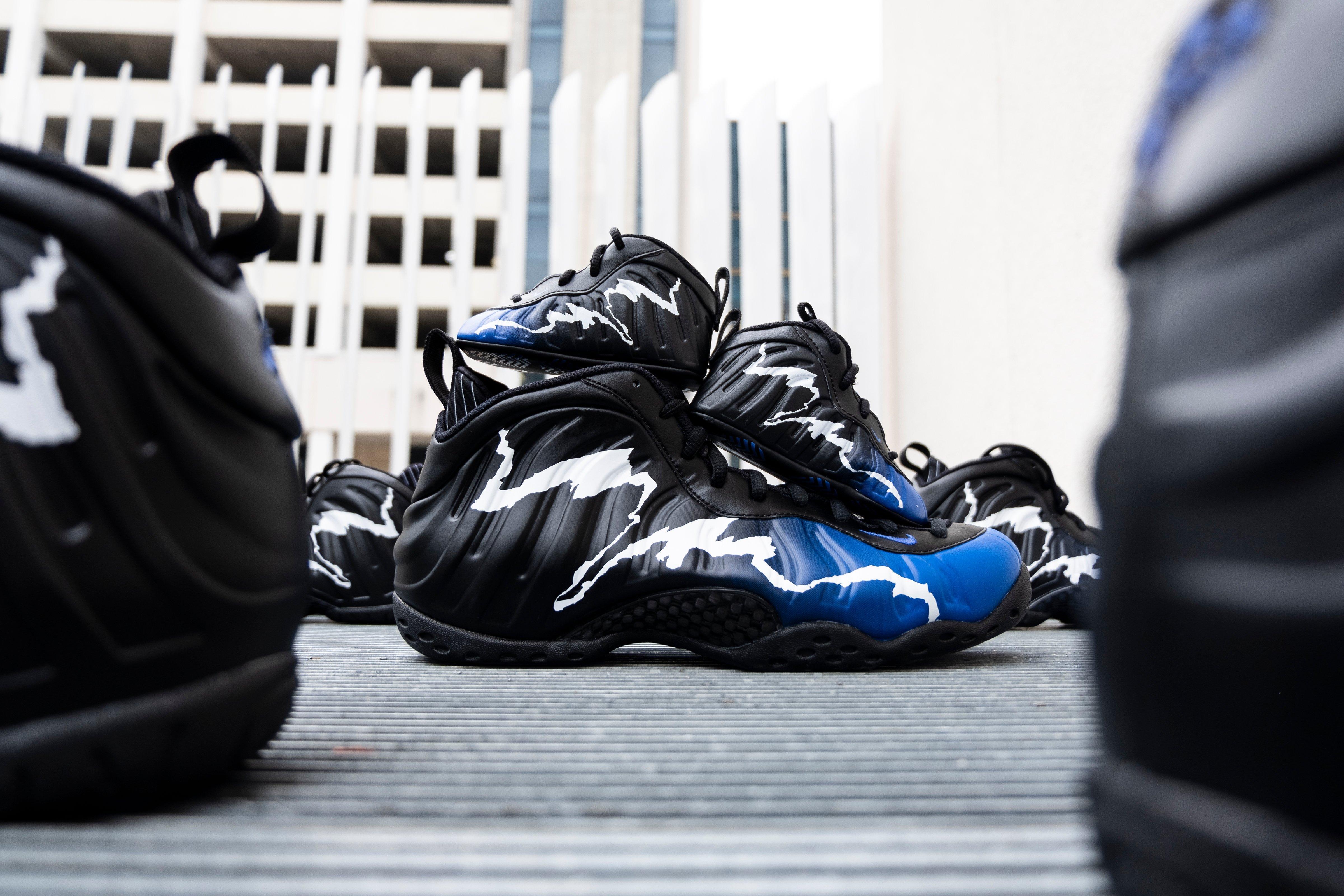 Nike Air Foamposite One University Blue Size 10 Chilly Kicks