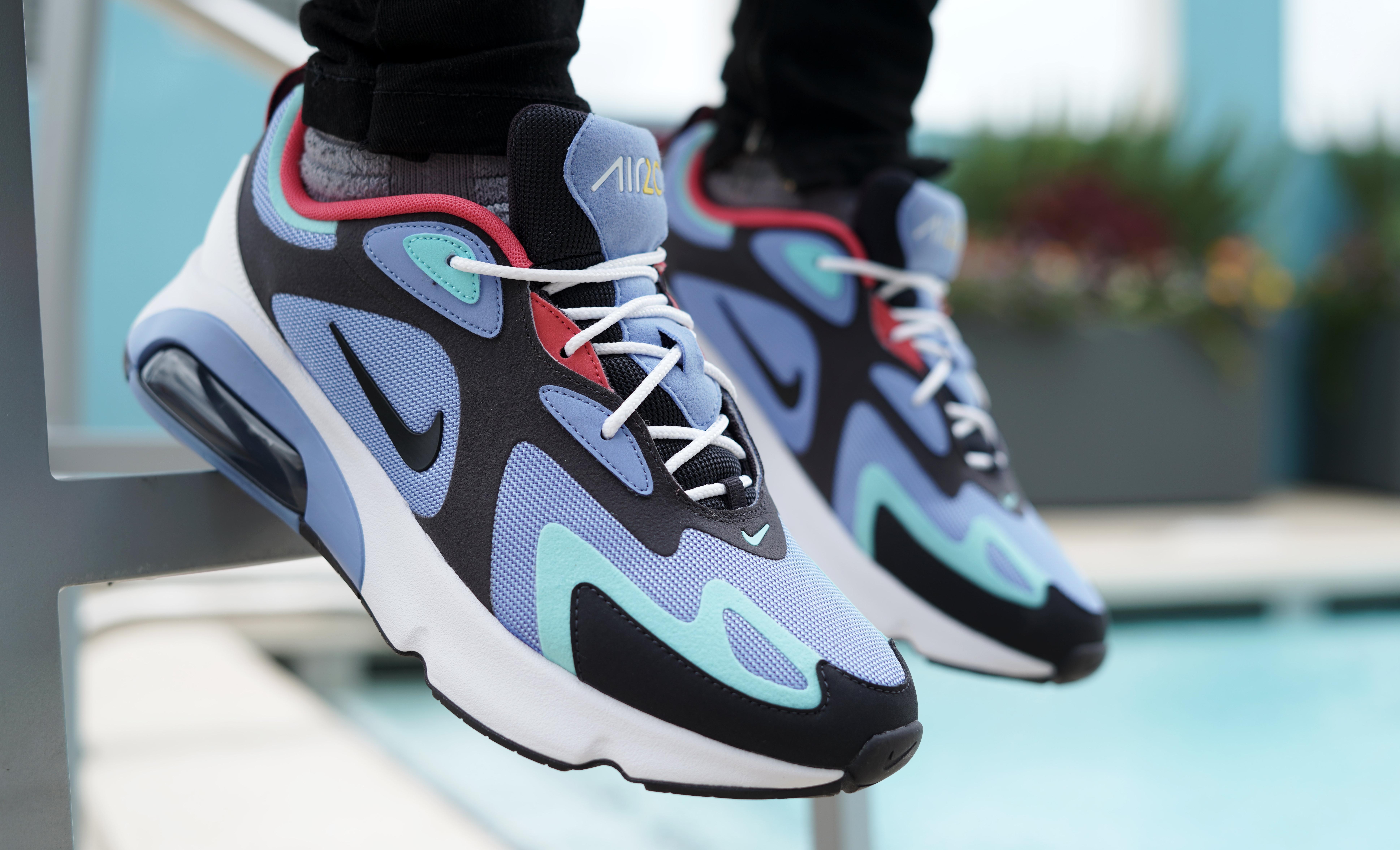 "économiser f07a1 92d15 Sneaker Release: Nike Air Max 200 ""Royal Pulse/Oil Grey"""