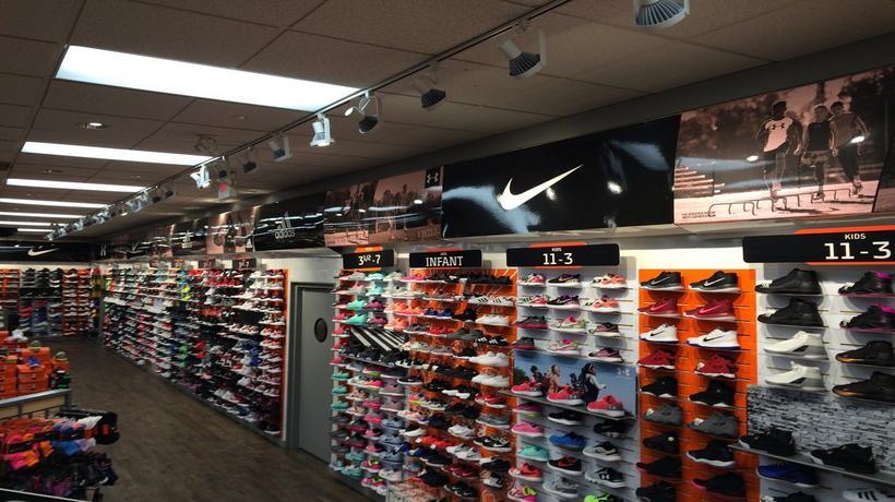 huge discount 4bb7f c03e4 Sneakers & Sporting Goods in Dalton, GA